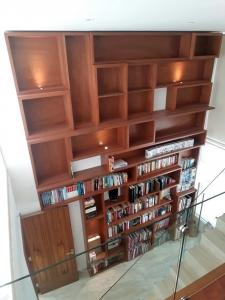 Mueble Librero Pompeu