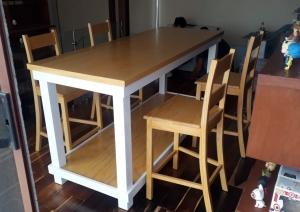 Mesa y Banquetas Tasca