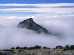 El Trevenque (2.079 m) sobre un mar de nubes